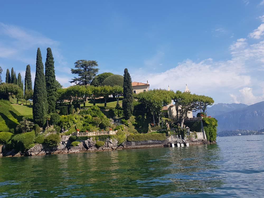 Jedna od brojnih vila na obali jezera Komo