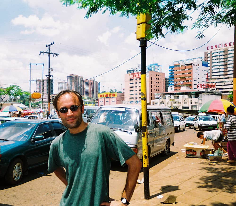 Vaš reporter, skuvan i zbunjen na ulicama Sijudad del Estea