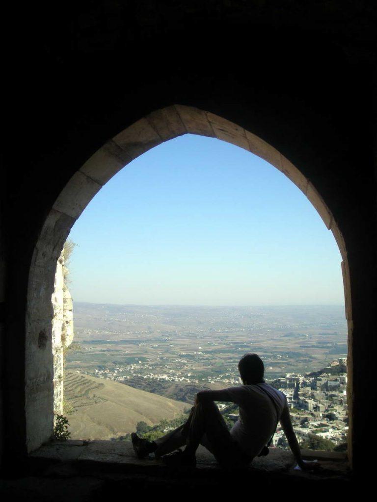 Pogled iz Kraka na ravnicu i more – krstaši su odavde imali sjajan pregled situacije