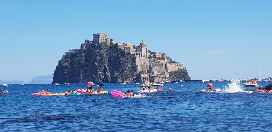 Plaža Antonio: Pogled na Aragonsku tvrđavu
