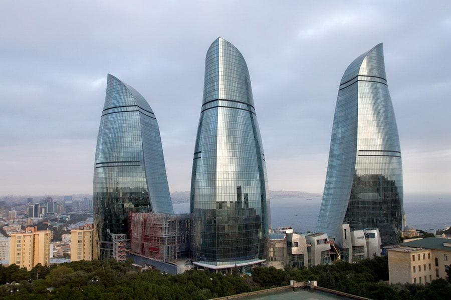 """Plamene kule"": 190 metara visoki simboli savremenog Bakua"