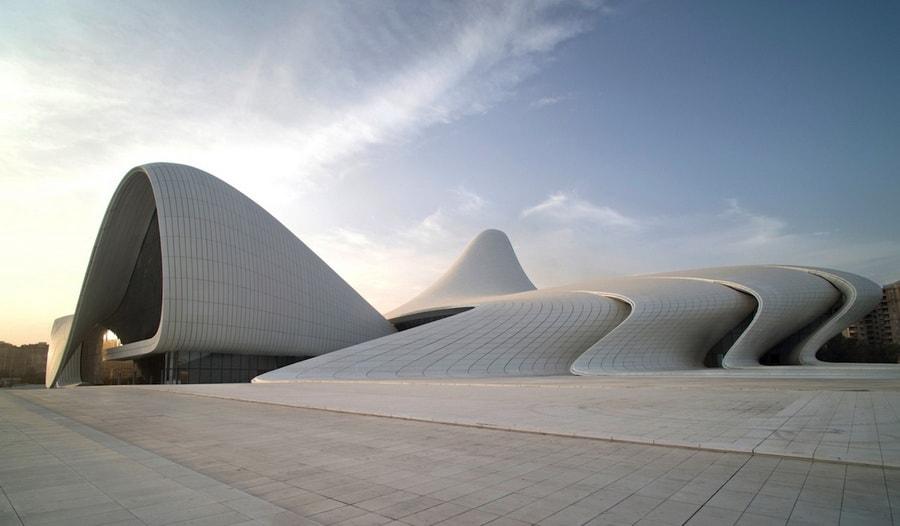 """Heydar Alyev Center"": Remek delo iračke arhitektice Zahe Hadid"