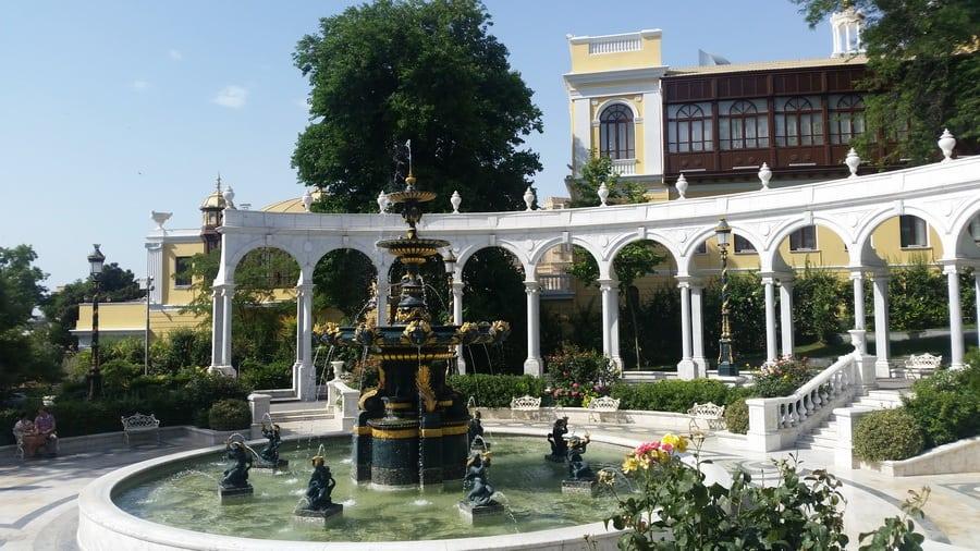 Desetine fontana i parkova u centru grada