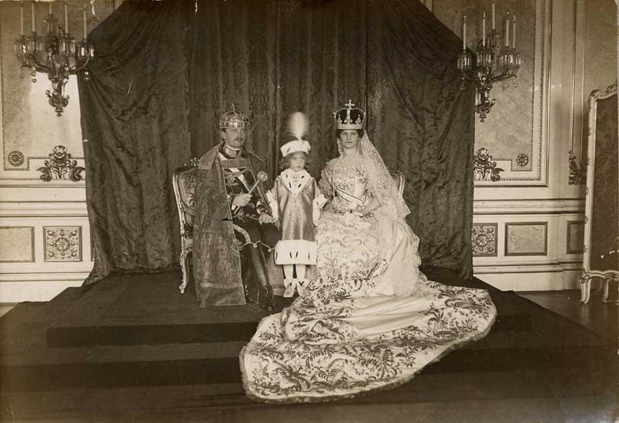 Karlo, Zita i prestolonaslednik Oto prilikom krunisanja 1916.