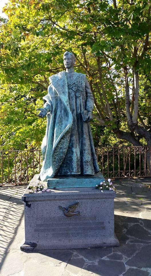 Spomenik Karlu Prvom