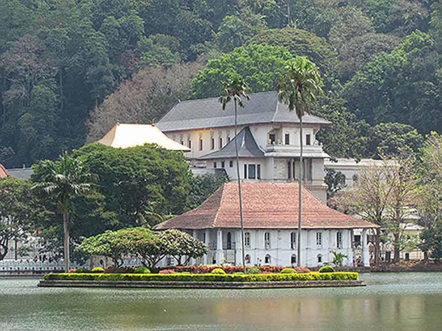 KENDI: Kraljevska palata...
