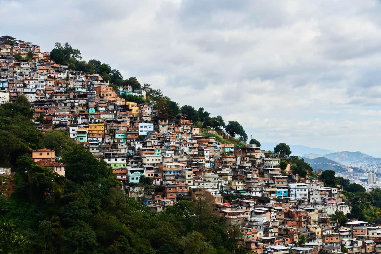 ISPOD OLIMPIJSKOG RADARA: Favela u Riju