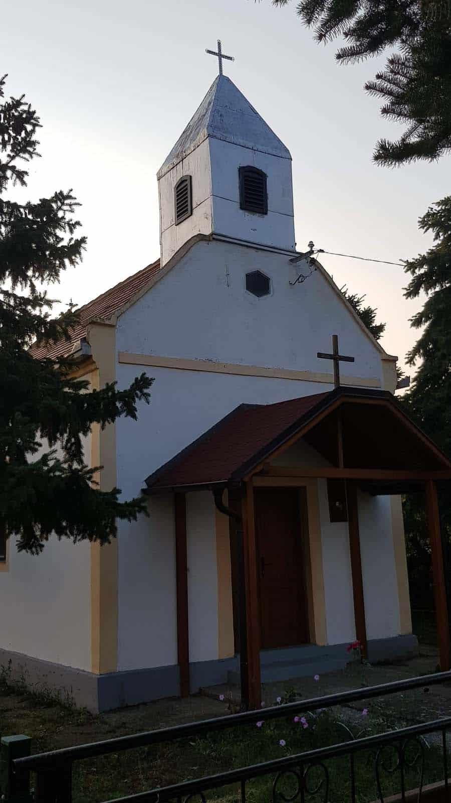 Crkva na kraju sela: Dobrodol