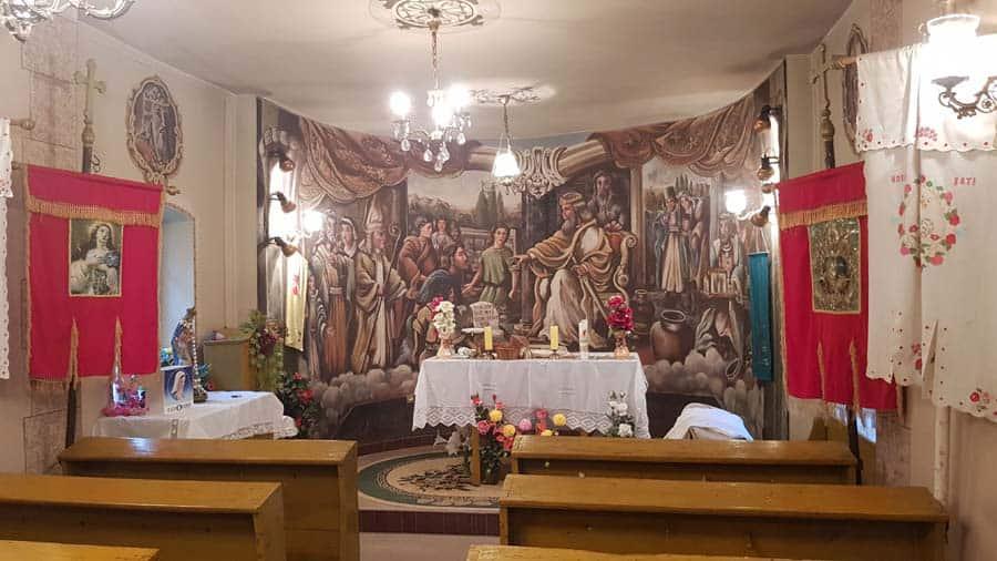 Živopisna unutrašnjost crkve u Šatrincima