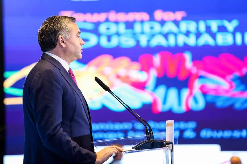 Ministar turizma Albanije Blendi Klosi otvara konferenciju