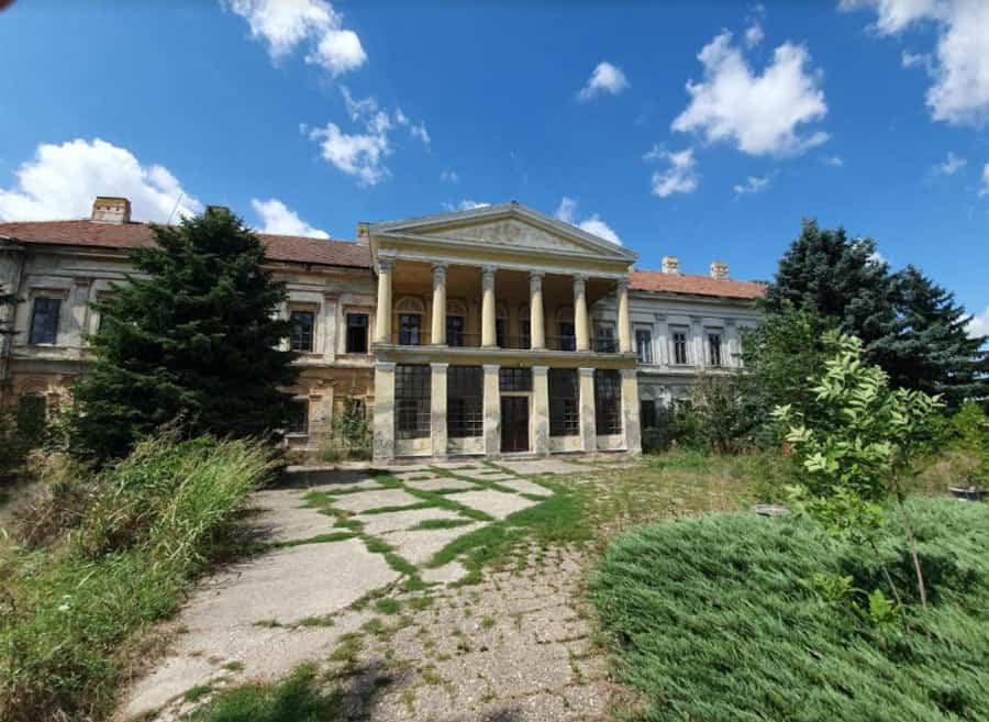 Dvorac, bolnica, škola, dom, fabrika, ruševina: Dvorac Karačonji čeka boje dane...