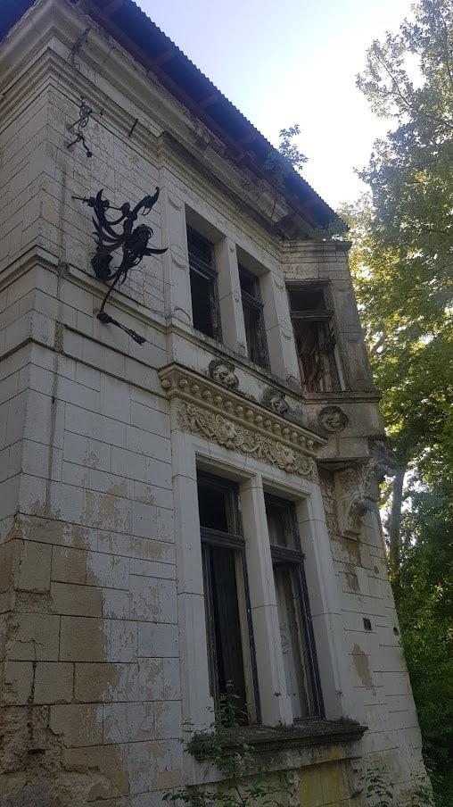 REMEK-DELO AUTORA UGARSKOG PARLAMENTA: Dvorac Špicer u Beočinu