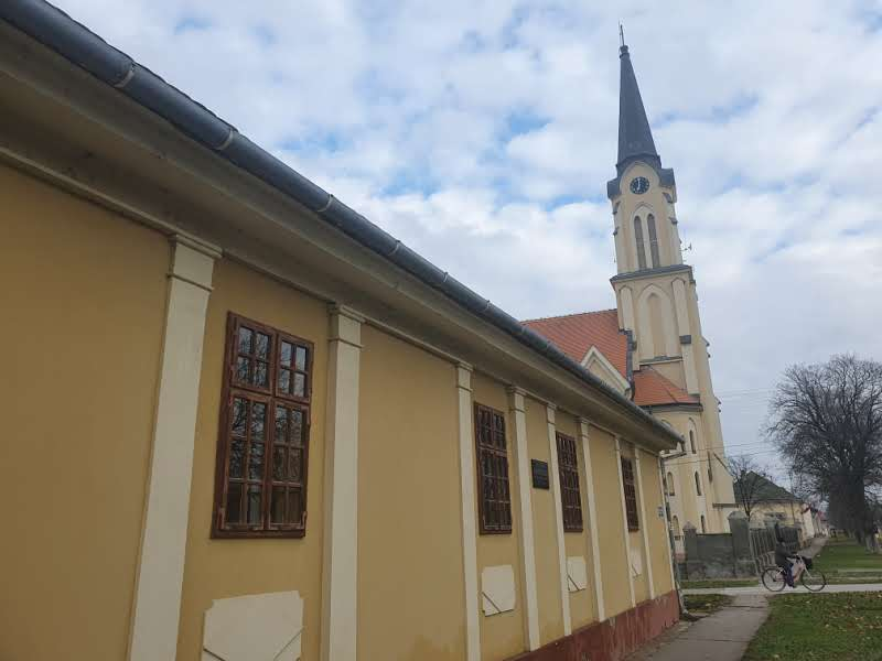 Kuća Vladimira Glavaša smeštena između pravoslavne i katoličke crkve