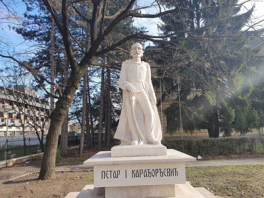 SKLONJEN 1941, VRAĆEN 1991: Spomenik kralju Petru Oslobodiocu