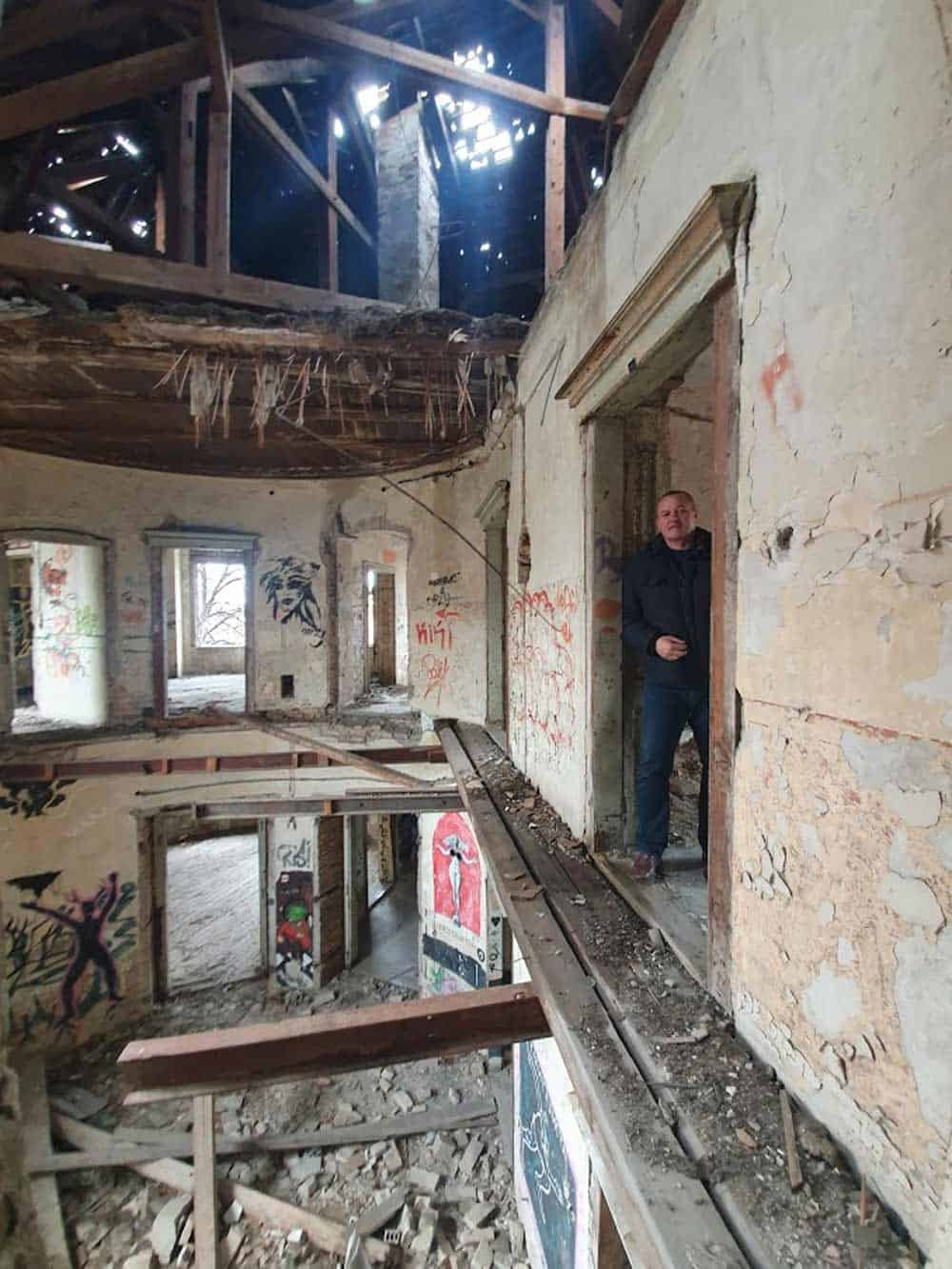 """Nekada ponos grada, danas """"Muzej destrukcije: Pinova vila"""