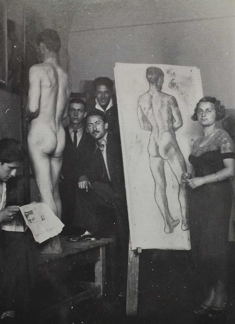 TALENTOVANA BANAĆANKA: Paulina Sudarski na času crtanja akta u prirodnoj veličini