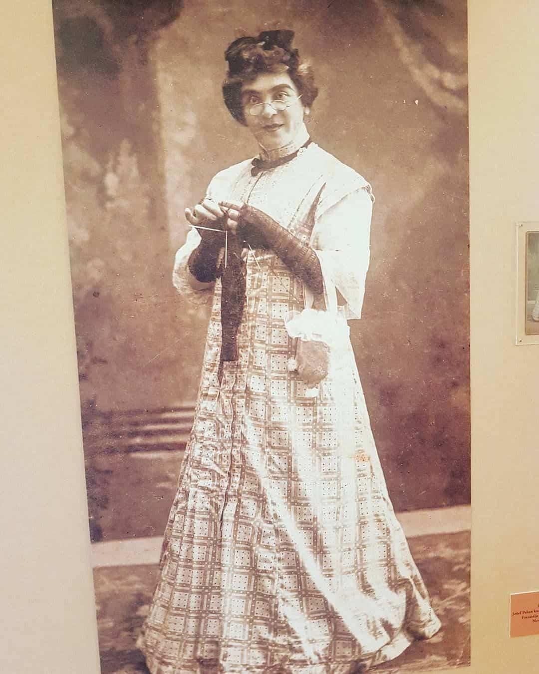 Ispred svog vremena: Fotografija Jožefa Pehana u ženskoj odeći