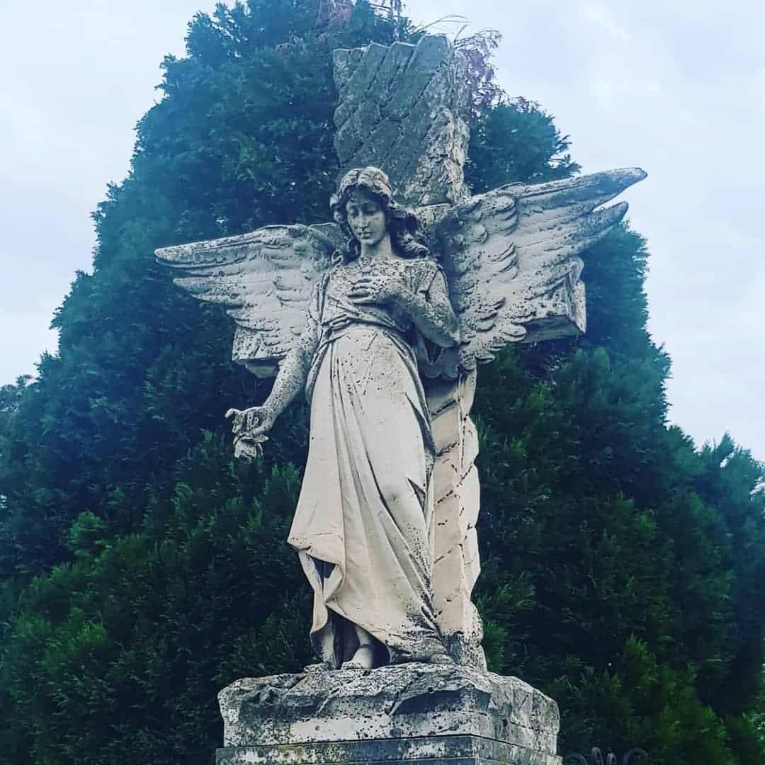Kao Per Lašez: Anđeo na Trandžamentskom groblju