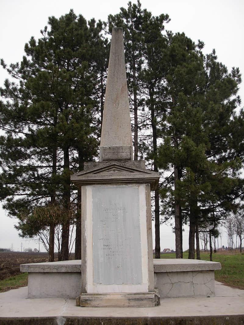 Pogled na Veliki bački kanal: Spomenik na grobu Jožefa Kiša