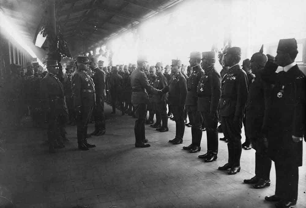 PRED PORAZ: Austougarski car Karlo Habsburški prilikom posete Beogradu 1918.
