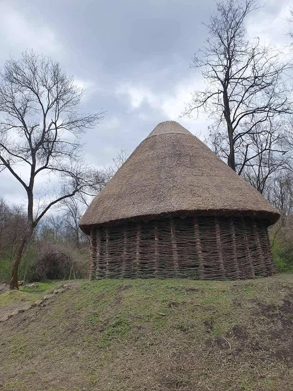 PLETARA: Kopija tradicionalne sremske kuće u srcu Obedske bare