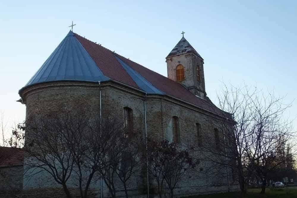 ZVONAR MUSLIMAN, ZVONI ZA PRAVOSLAVNU SAHRANU: Katolička crkva Sv. Ane u Bačkom Novom Selu