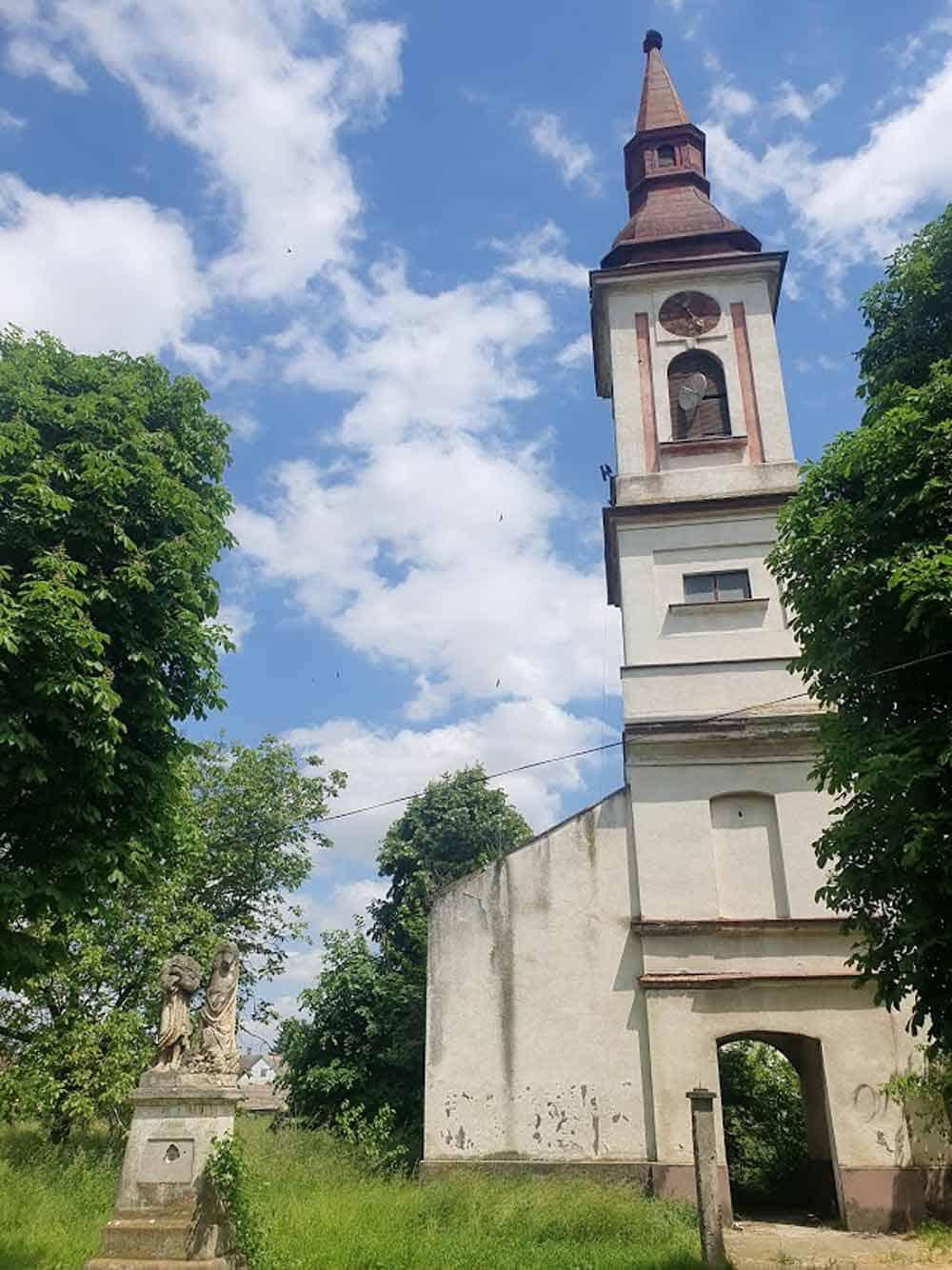 PREŽIVELI SAMO TORANJ I ZADNJI DEO: Crkva Sv. Ivana Krstitelja u Mladenovu