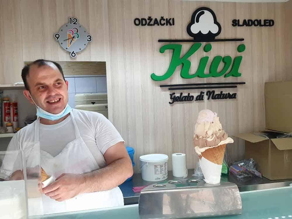 """VEK I PO TRADICIJE: Čuveni """"Odžački sladoled"""""""