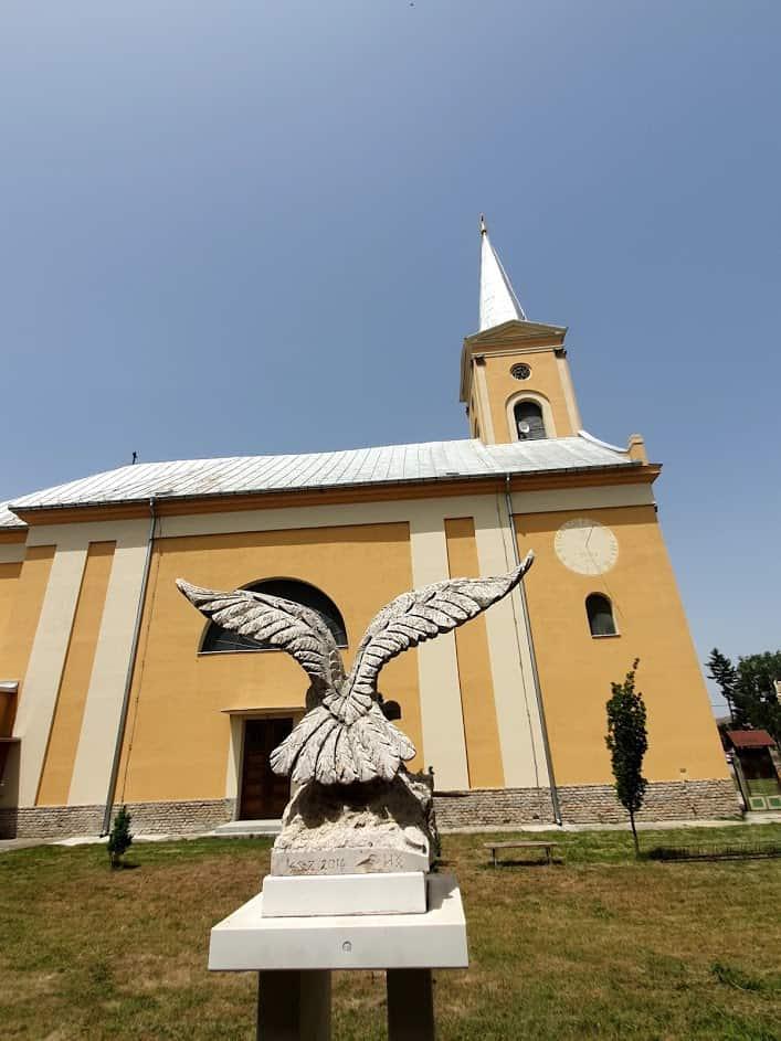 TURUL PTICA: U porti Crkve Sv. Ladislava