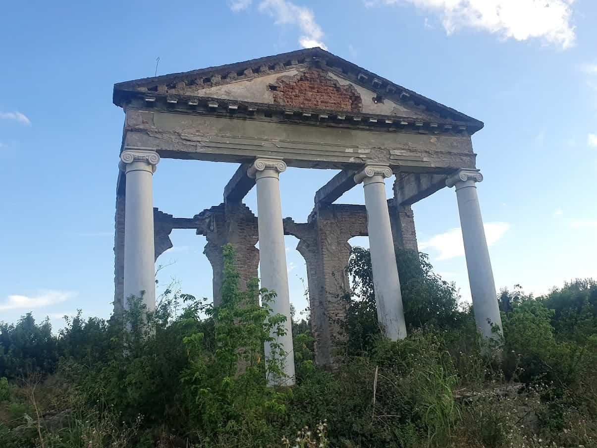 RUSKI KNEZ GRČKOG POREKLA: Ostaci Dvorca Mavrokordato pored Kikinde