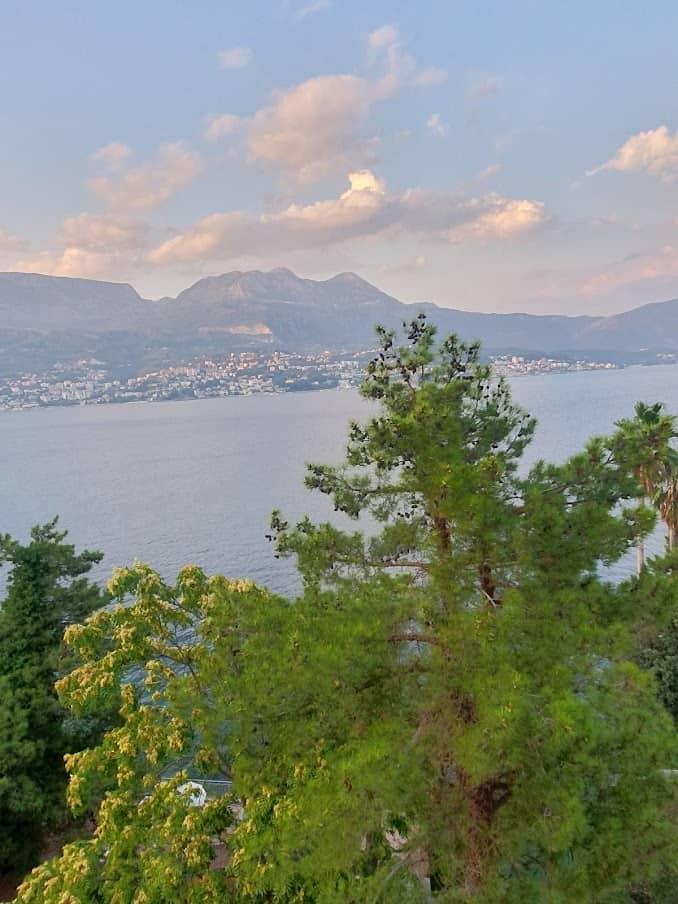 Nekadašnji turski posed: Pogled na Herceg Novi iz Njivica