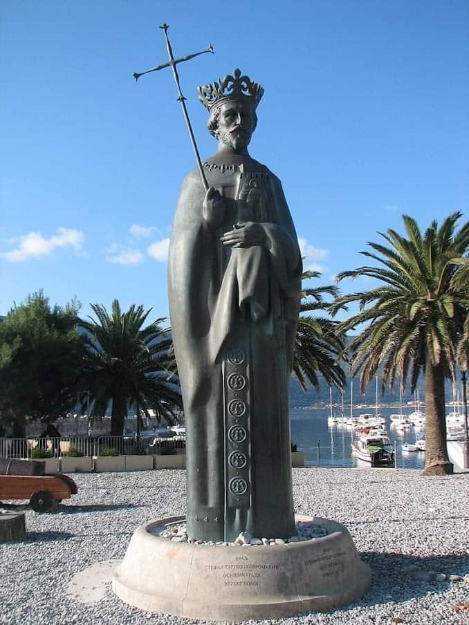 Spomenik bosanskom kralju Tvrtku: Herceg Novi je vekovima prelazio iz ruke u ruku različitih imperija i vladara