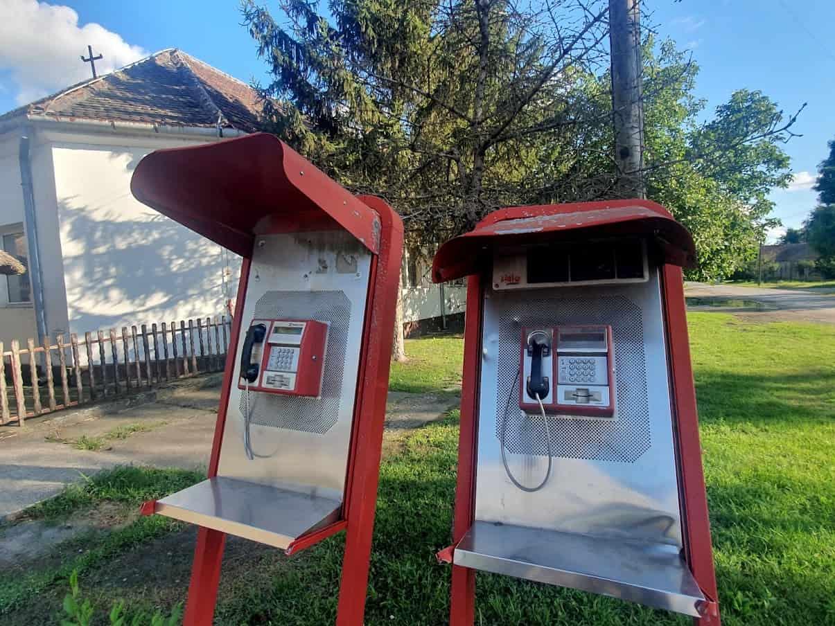"""""""HALO, VOJVODA STEPA"""": Telefonske govornice u centru sela ne rade godinama"""