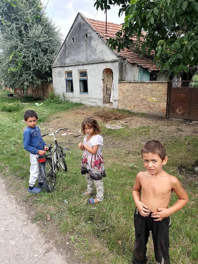 MESTO NA GRANICI: Detalj sa ulice u Radojevu